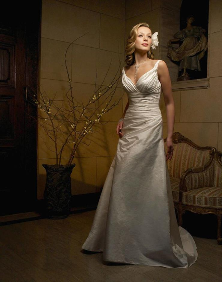 Bridal Clearance Casablanca 1831 Image